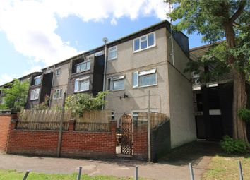 Hunt Road, Southall, Middlesex UB2. 3 bed flat