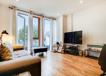 Thumbnail 1 bed flat to rent in Canonbury Road, Islington