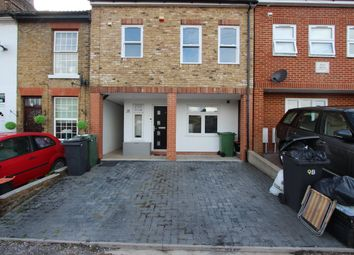 Thumbnail 2 bed flat to rent in Warwick Place, Maidstone
