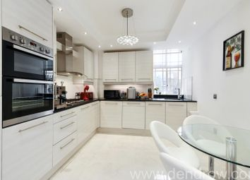 Thumbnail 4 bedroom flat to rent in Queensway, London
