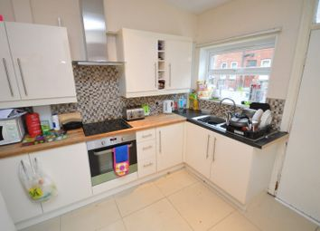 Thumbnail 6 bed terraced house to rent in Estcourt Terrace, Leeds