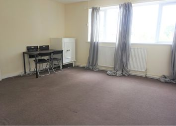 Thumbnail 3 bed flat to rent in Church Street, London