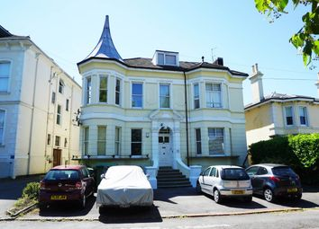 Thumbnail 2 bed flat to rent in Beulah Road, Tunbridge Wells, Kent