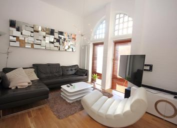 Thumbnail 3 bedroom flat to rent in Woolwich, London