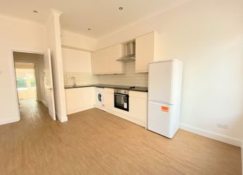 Thumbnail 2 bed flat to rent in Avenue Mews, Muswell Hill, London
