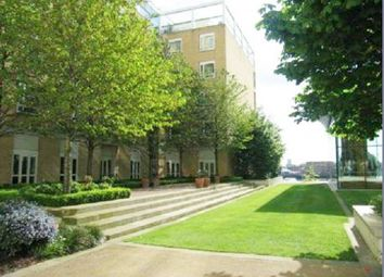 2 bed flat to rent in 32 Westferry Circus, Canary Wharf, London E14