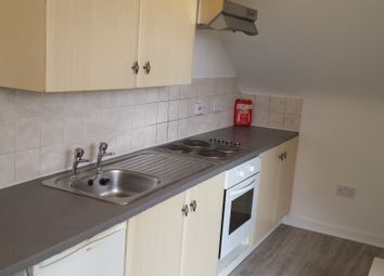 Thumbnail 1 bed flat to rent in 15-16 Crescent Road, Luton