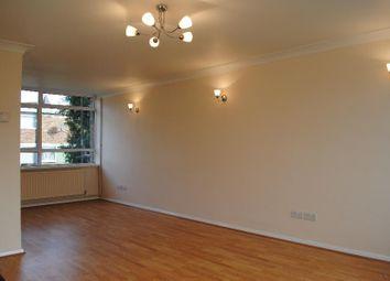 2 bed maisonette to rent in Moorholme, Woking, Surrey GU22
