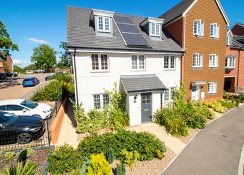 4 bed property for sale in Jubilee Drive, Church Crookham GU52