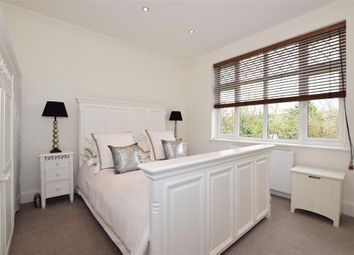 Thumbnail 2 bedroom flat for sale in Goldings Hill, Loughton, Essex