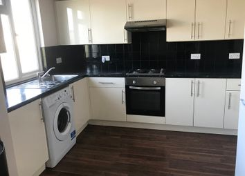 Thumbnail 4 bed flat to rent in Lyndhurst Rd, London