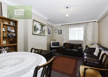 Thumbnail Flat for sale in Monarch Parade, Mitcham