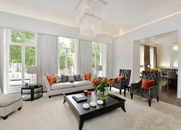 Thumbnail 4 bedroom flat for sale in Queen's Gate, London
