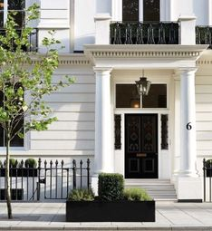 Thumbnail 8 bed property for sale in Buckingham Gate, London