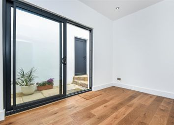 Thumbnail 1 bedroom flat for sale in Collingwood Road, Sutton