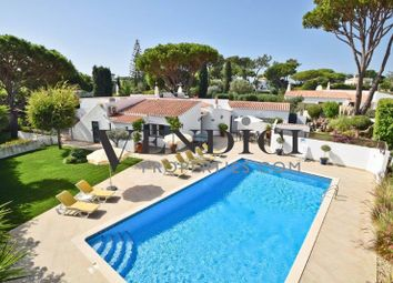 Thumbnail 4 bed villa for sale in Vale Do Lobo, This Property Comprises Of An Entrance Hall, A Fully Fitted Kitc, Portugal
