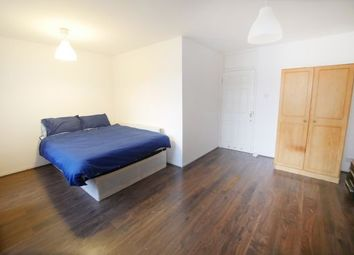 Thumbnail Room to rent in Headley House 37, Canary Wharf
