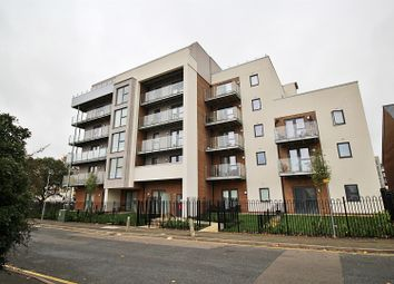 Thumbnail 2 bed flat to rent in Manor Way, Borehamwood
