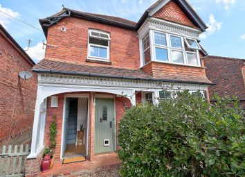 2 bed flat for sale in Sturt Avenue, Haslemere GU27