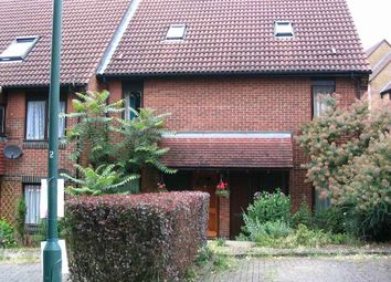 Thumbnail 2 bed flat to rent in Turnpike Lane, Sutton