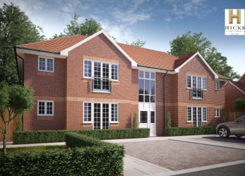 Thumbnail 2 bedroom flat for sale in Ladbroke Close, Woodley, Reading