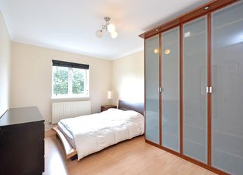 Thumbnail 2 bed flat to rent in Glamis Place, London
