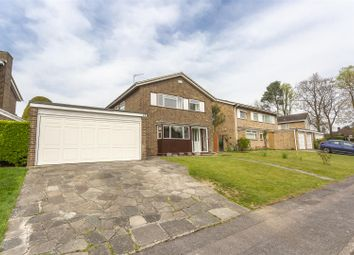 Thumbnail 4 bed detached house to rent in Great Ellshams, Banstead