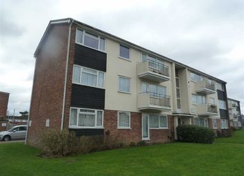 Thumbnail 3 bed flat to rent in Stratfield Road, Borehamwood