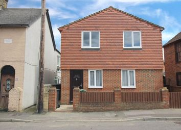 Holborough Road, Snodland, Kent ME6. 3 bed detached house