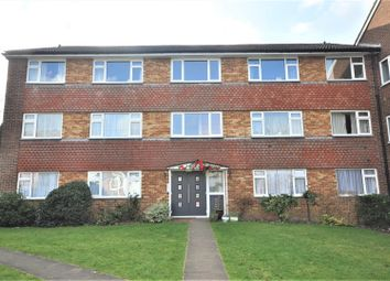 Thumbnail 2 bedroom flat to rent in High Street, Bushey