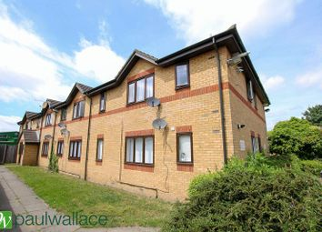 Thumbnail 1 bedroom flat for sale in Victoria Close, Cheshunt, Waltham Cross