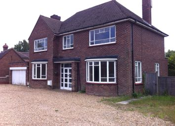 Thumbnail 4 bedroom detached house to rent in Bromham Road, Bedford