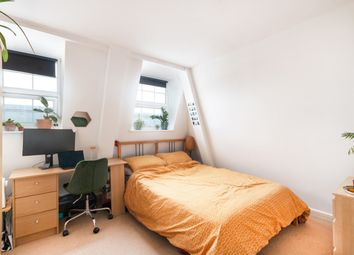 Thumbnail 3 bed flat to rent in Walworth Road, Kennington