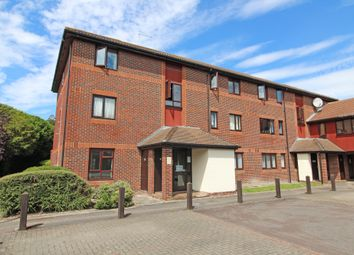 Thumbnail 2 bed flat for sale in Linacre Close, Didcot, Oxfordshire