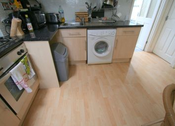 Thumbnail 1 bed flat to rent in Calverley Road, Tunbridge Wells