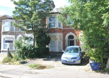 Thumbnail 1 bedroom flat to rent in Richmond Road, Ilford