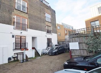Thumbnail 2 bed flat to rent in Queen`S Road, London