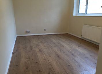 Thumbnail 1 bed flat to rent in Brunswick Ave, Southgate