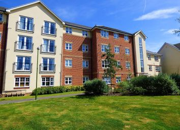 2 bed flat to rent in Butts Mead, Wick, Littlehampton BN17