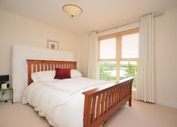 Thumbnail 5 bed end terrace house to rent in Holmesdale Avenue, Redhill