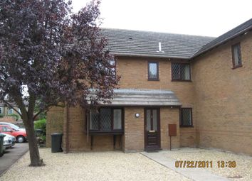 Thumbnail 2 bed town house to rent in Grosvenor Gardens, St. Neots