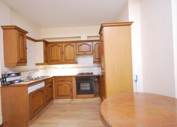 Thumbnail 2 bed flat to rent in Hackney Road, Shorditch