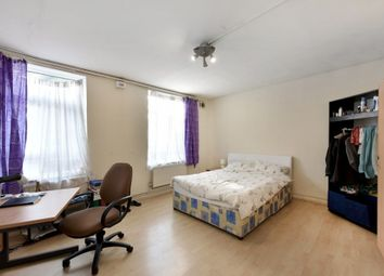 Thumbnail 4 bed flat to rent in Wyford Road, Fulham