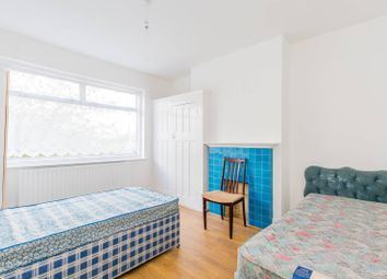 3 bed property to rent in Hither Green Lane, Hither Green, London SE13