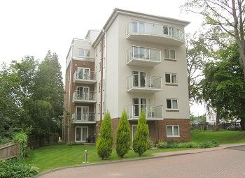 Thumbnail 1 bed flat to rent in The Pines, Turners Hill Road, Worth, Crawley