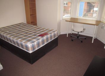 Thumbnail 3 bed flat to rent in Wokingham Road, Reading