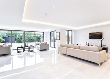 Thumbnail 3 bed flat for sale in Dollis Avenue, Finchley N3,