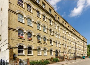 Thumbnail 1 bed flat to rent in Bath Terrace, Borough