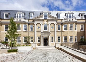 Leopold Court, Princess Square, Esher, Surrey KT10. 2 bed flat for sale