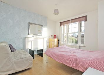 Thumbnail 2 bedroom flat to rent in Chicksand Street, Spitalfields, London